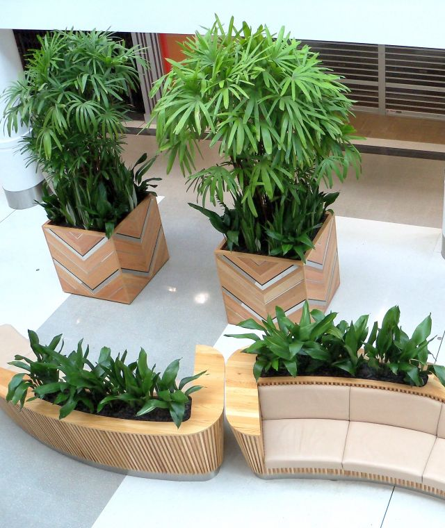 Shopping Centre Seating & Planters